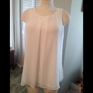 White House Black Market SL pleat front shell NWT